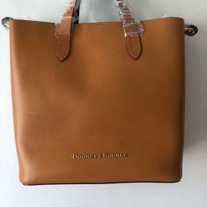 Dooney and bourke Liliana bag